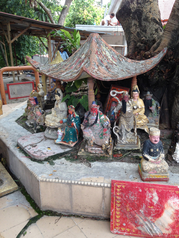 Sightseeing today included a trip to a Thai Temple – and a chance to reflect among some Taoist deities