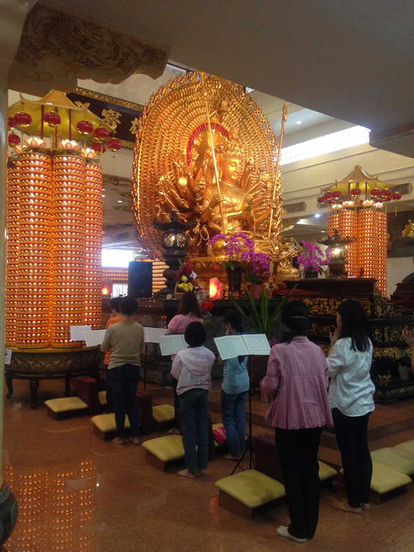 A trip to the Chinese Buddhist temple where, quite by chance, devotees were participating in Quingming, a day-long ceremony of repentance